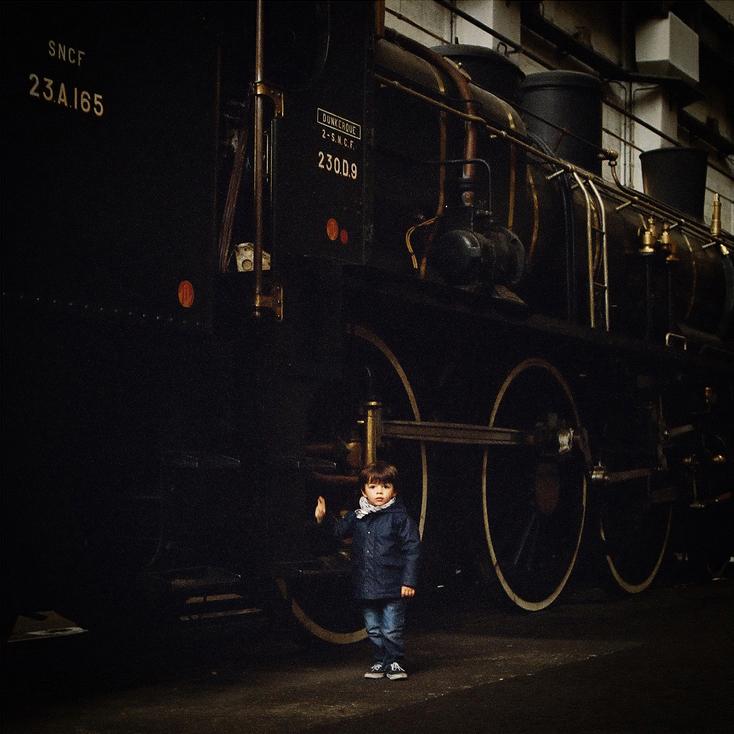 Le bambin et la locomotive