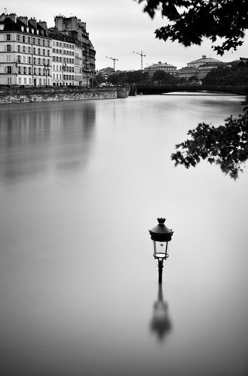 Le lampadaire prend l'eau