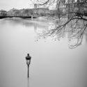Le lampadaire dans l'eau