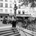 métro et bistrot parisien