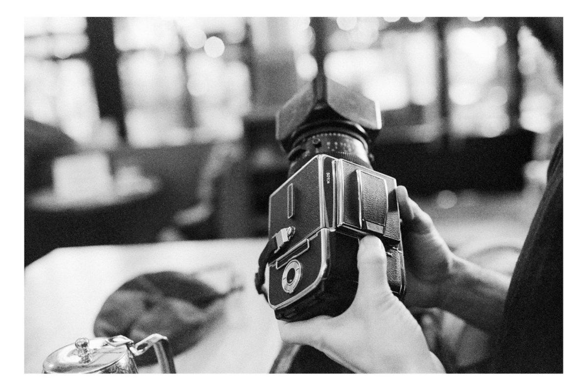 2020-01-18-Canon-EOS-1V-Lomography-Berlin400_18_MOD_BW_FRAME_resize